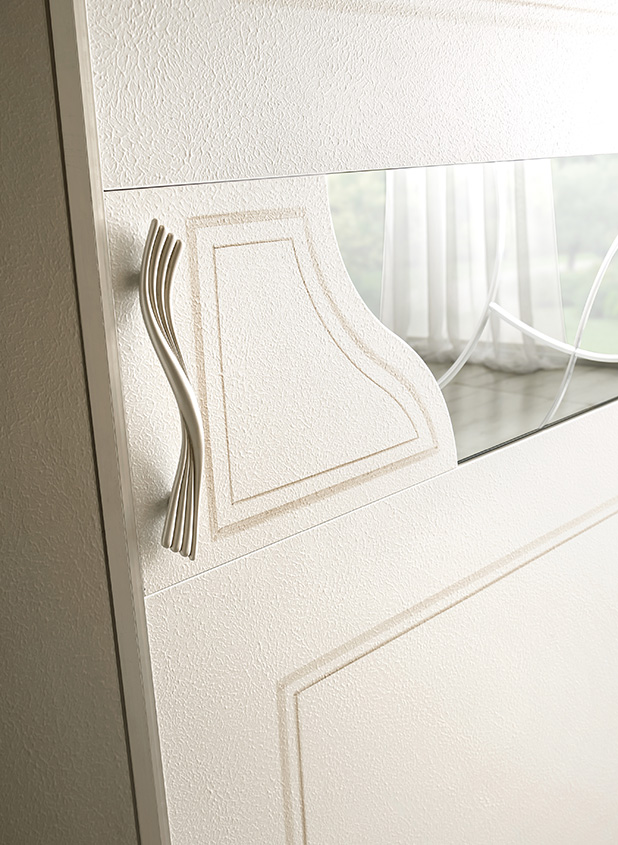 DESIGNER ILIO DI LUPO <br> Central section with panel and mirror, etched and with sinuous shapes.
