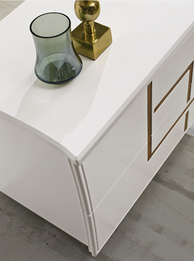 DESIGNER LEONARDO CIAMPI <br> Dresser and nightstand with contoured top and drawer fronts. White matt lacquered finish (L01) with Canaletto walnut inserts.