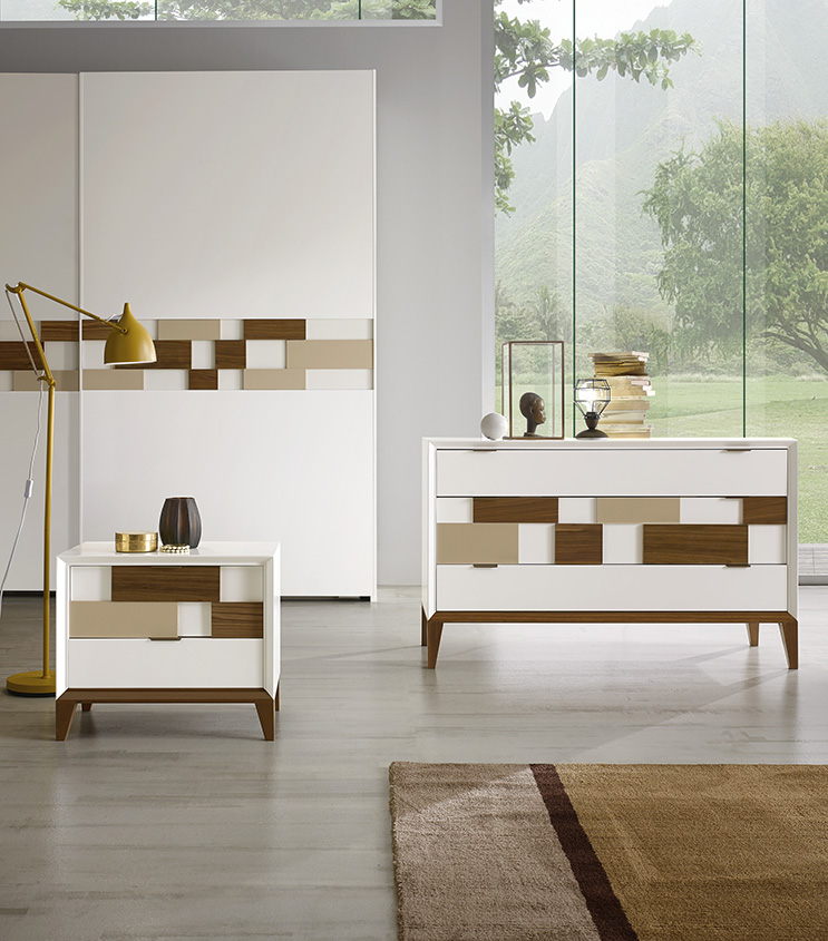 Dresser and nightstands in white matt lacquered finish (L01) with feet and pedestal in Canaletto walnut.